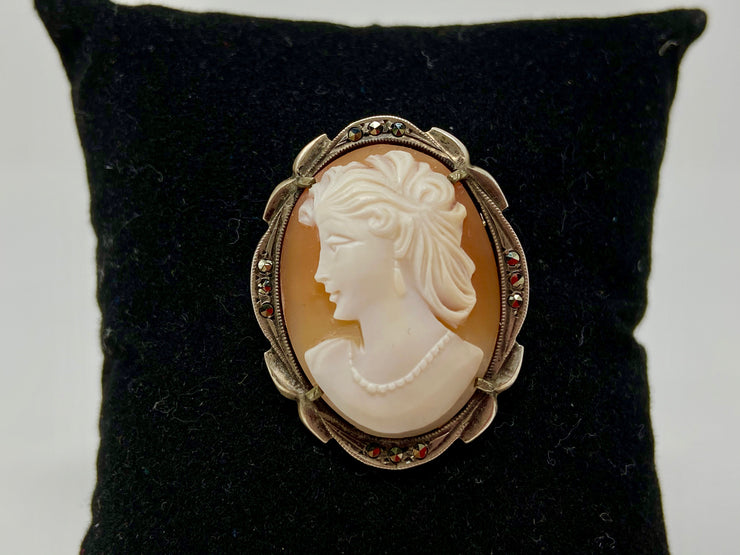 VINTAGE ANTIQUE STERLING SILVER CAMEO - BEAUTIFUL ELEGANCE AND LOVELY DETAIL -