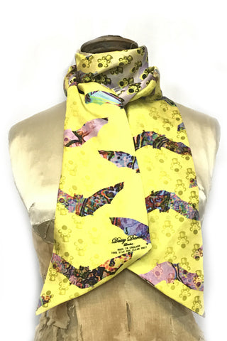 DAISY DARCHE PRINTED SILK TWILL LILY REVERSIBLE SCARF IN FLUTTERBY REVOLVER YELLOW PRINT