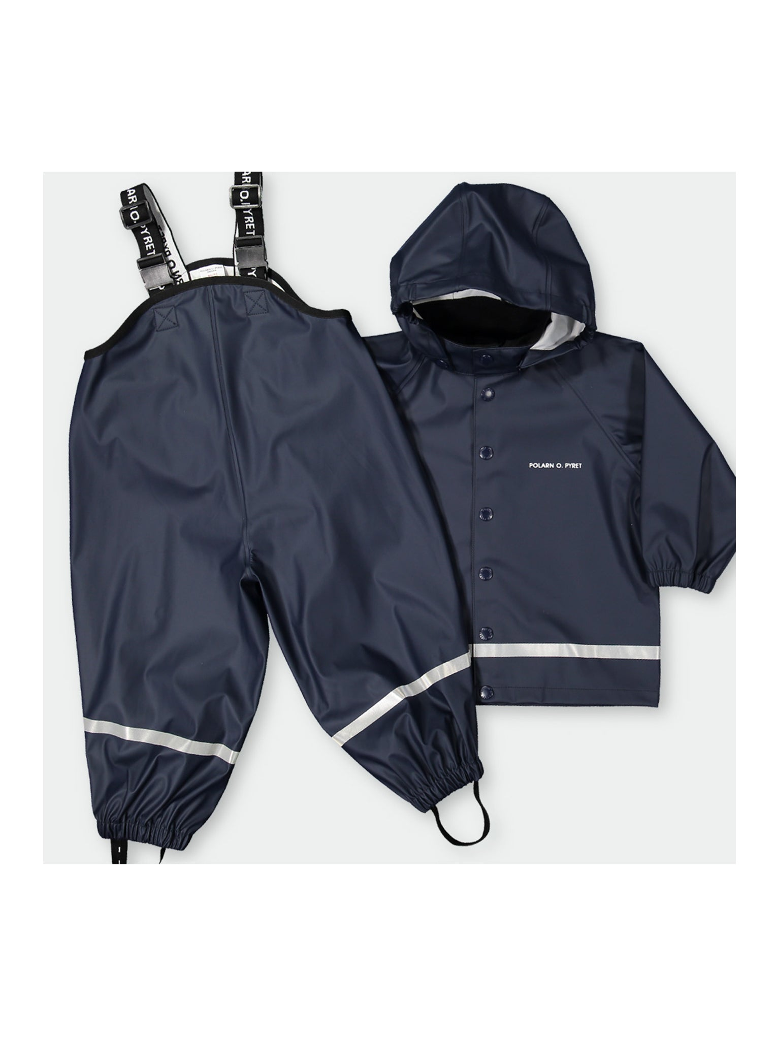 Navy, kids waterproof raincoat which comes with a hood, paired with navy kids rain trousers which comes with a suspender.