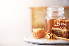 The Amazing Health Benefits of Royal Jelly