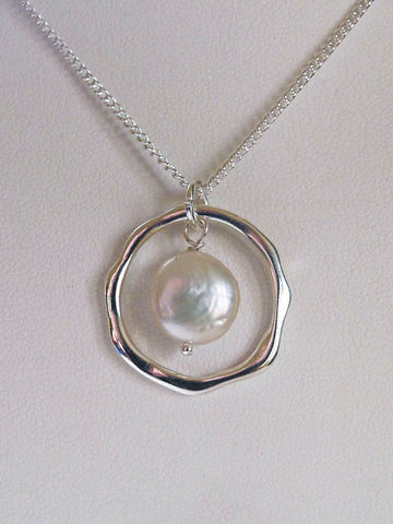 PEARL ECLIPSE NECKLACE