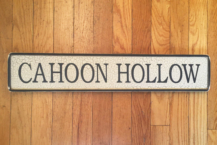 CAHOON HOLLOW SIGN