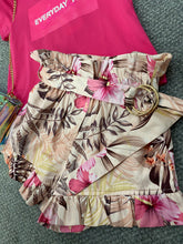 Load image into Gallery viewer, Fun and fun multi colour floral short FNJSO8251 PRE ORDER
