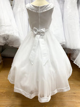 Load image into Gallery viewer, Briony communion dress