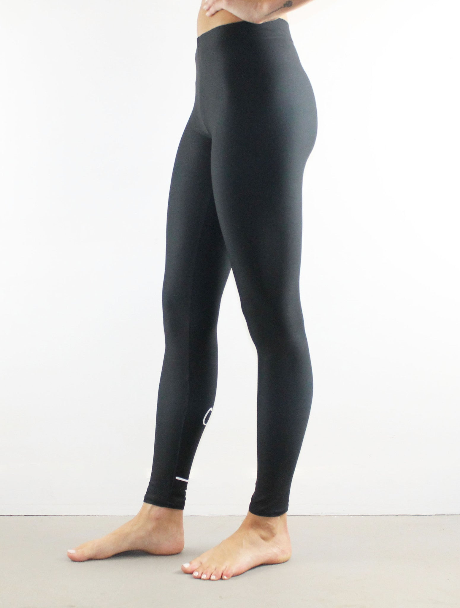 Never Stress Leggings // White on Black