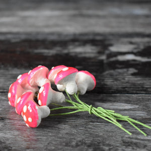 Ten glazed spun cotton mushrooms - 1.4 cm small pink mushrooms on wire stem