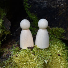 Load image into Gallery viewer, Rounded body figures - 6.5 cm tall in FSC beech, EN71 certified