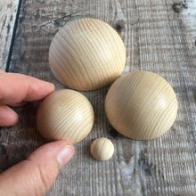 Load image into Gallery viewer, Hemisphere - solid wooden half round / half ball / split ball shape - 4 cm diameter