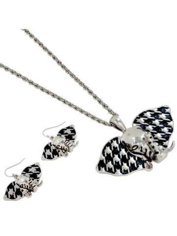 Silvertone Houndstooth Elephant Necklace Set