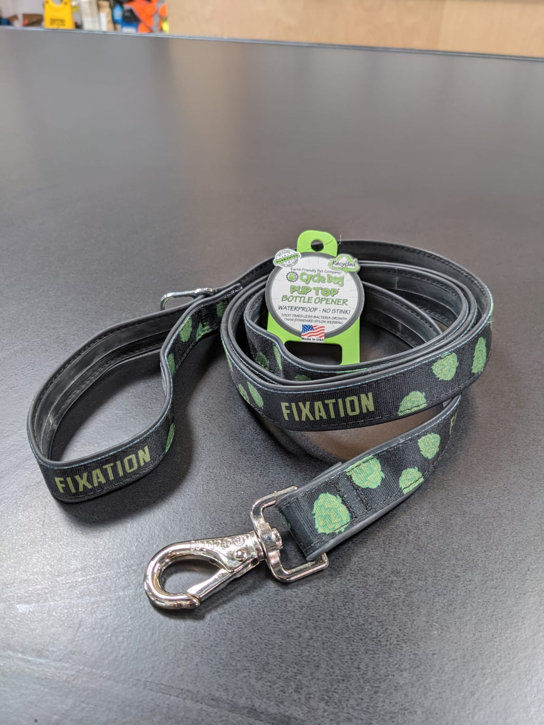 Fixation Bottle Opener Dog Lead