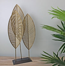 Load image into Gallery viewer, Three Leaf Metal Standing Ornament, 51cm.