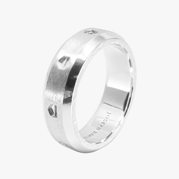 In dust Wedding Band 7mm