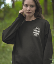 Laden Sie das Bild in den Galerie-Viewer, Vegan Queen - Organic & Recycled Relaxed Fit Sweatshirt