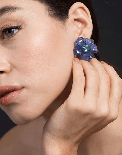 IRENE NEUWIRTH JEWELRY JEWELRYFINE JEWELEARRING ROSEGOLD Tanzanite and Green Tourmaline Carved Flower Earrings