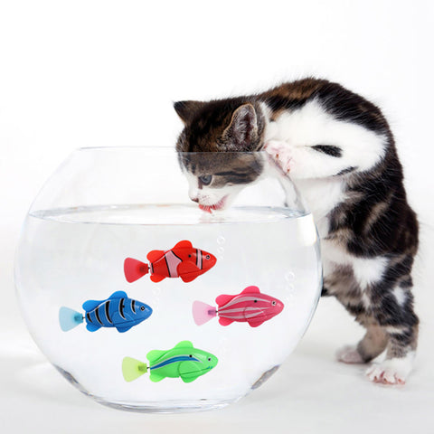 Battery-Powered Fish Cat Toy Water Activated LED Swimming Fish Toy Cat Fish Toys with Aquatic Weed & Screwdriver for Cats