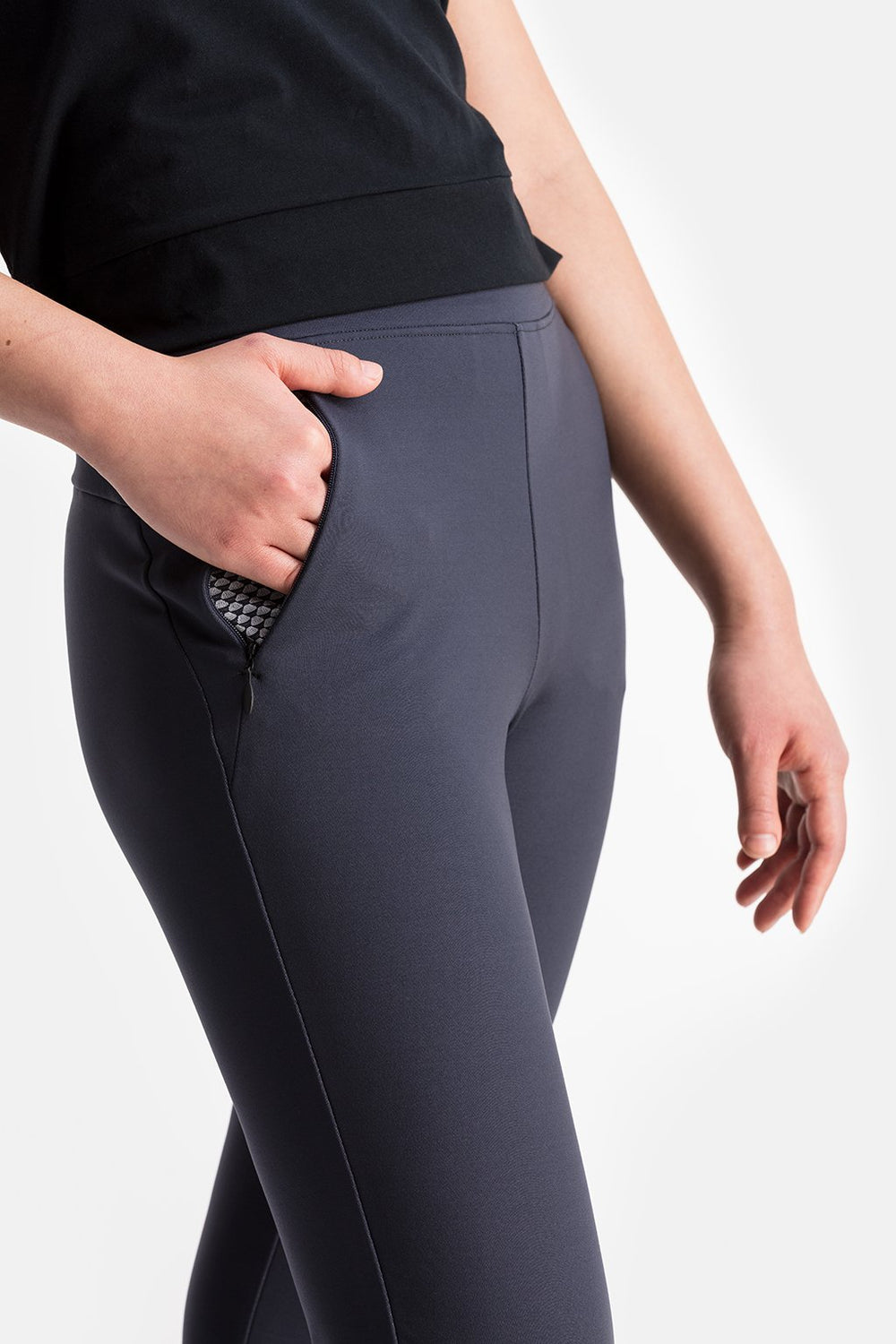 RYU Womens EveryWear Slim Pant in Asphalt