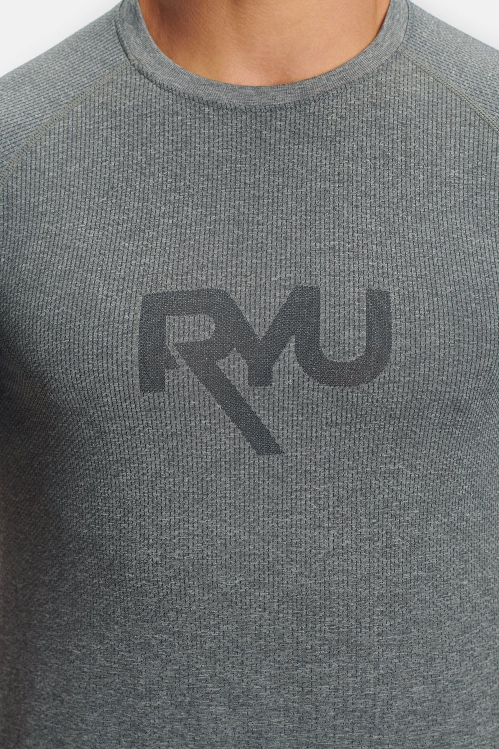 RYU Mens Graphic Vapor Crew Neck in Cement