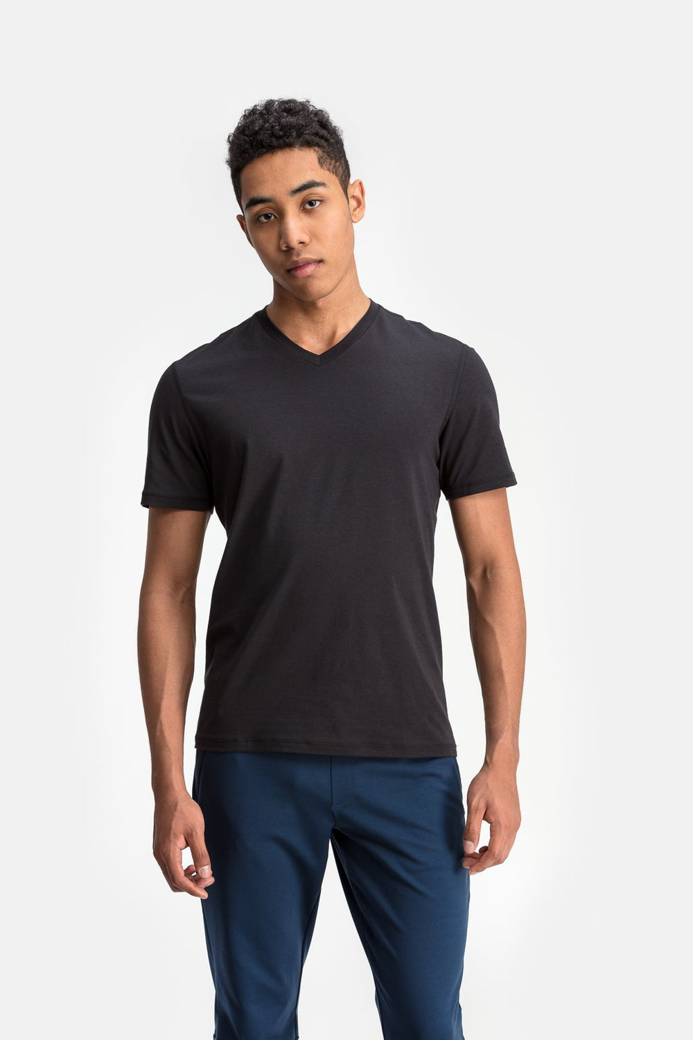 RYU Mens Standard Issue V Neck in Raven
