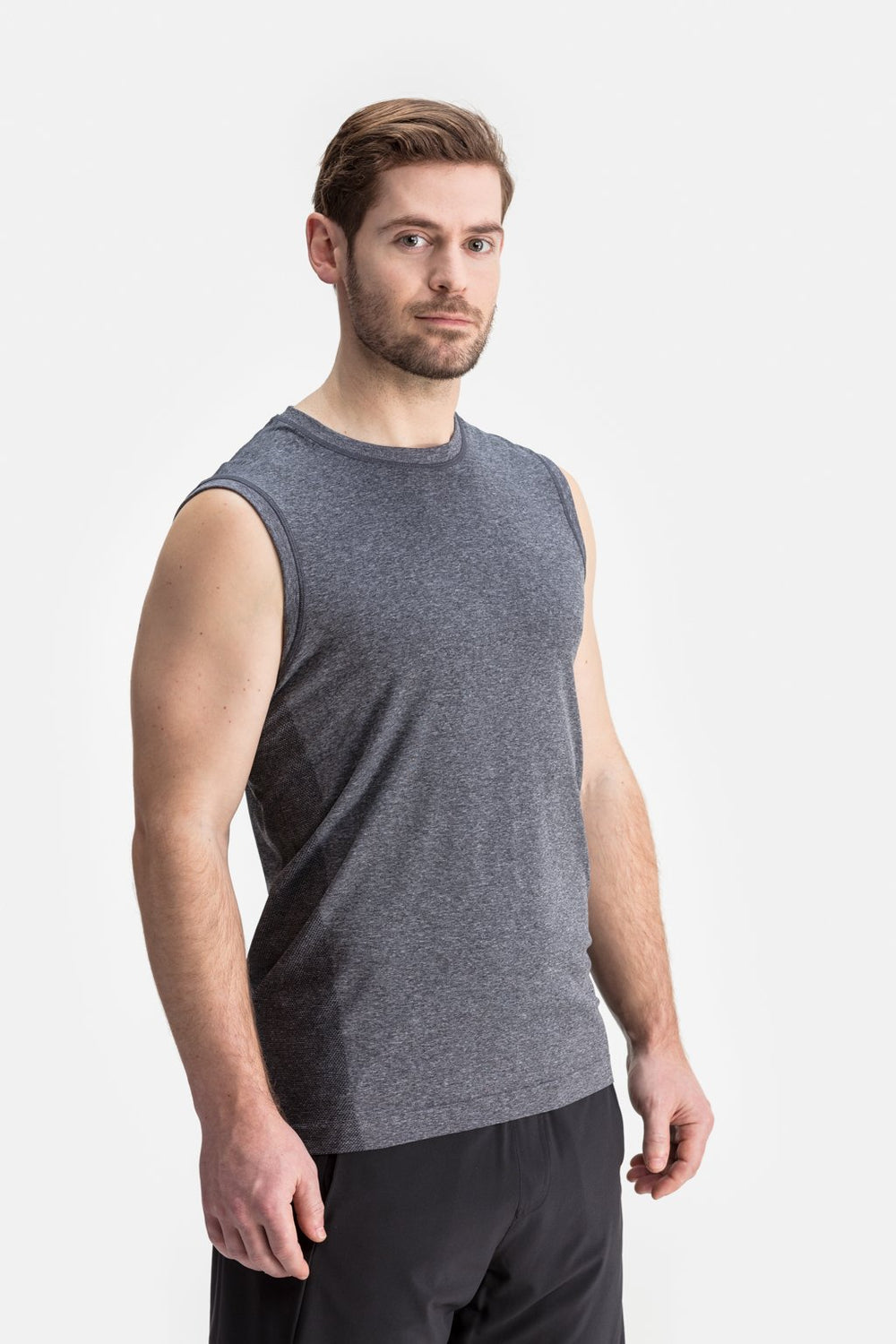 RYU Mens Vapor Sleeveless Tank in Asphalt Heather