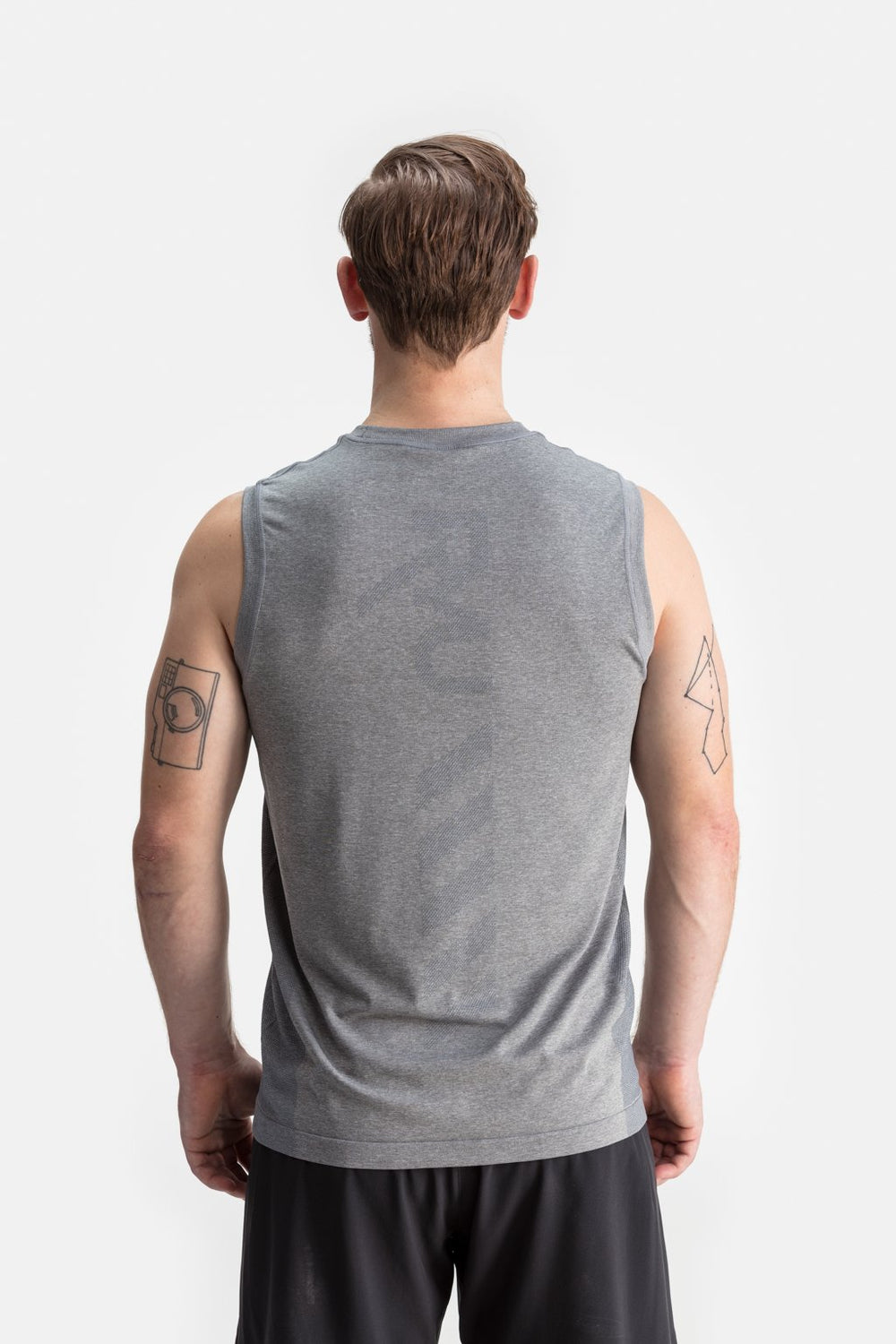 RYU Mens Vapor Sleeveless Tank in Titanium