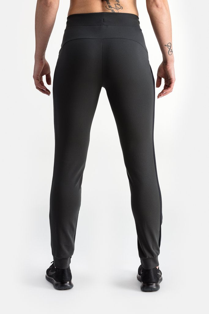 RYU Womens Tough Jogger in Blackened Avocado