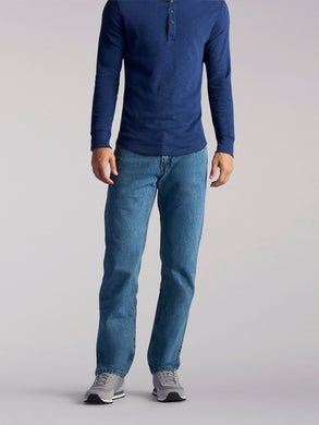 Regular Fit Straight Leg Midweight Jean in Wylie from Front View