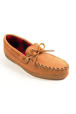 Moosehide Fleece Moccasin in Natural from 3/4 Angle View