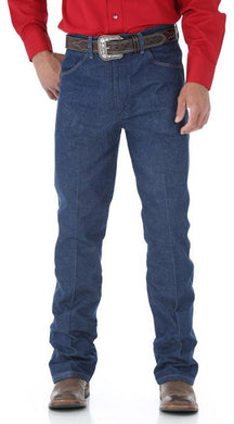 Men's Wrangler Basic Regular Fit Jean in Navy from the front