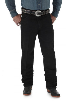 Men's Wrangler Cowboy Cut Jean Relaxed Fit in Overdyed Black from the front