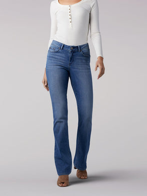 Curvy Fit Bootcut Jean in Majestic from Front View