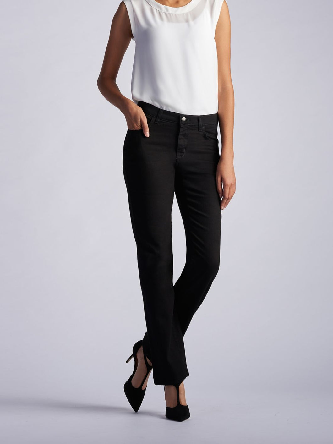 Stretch Relaxed Fit Straight Leg Jean in Black from Front View