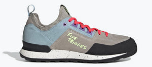 Women's Five Ten Fivetennie Approach Shoe in Light Brown/Ash Grey/Active Purple from the side