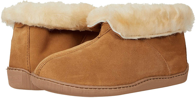 Men's Minnetonka Sheepskin Ankle Boot in Tan from the front view