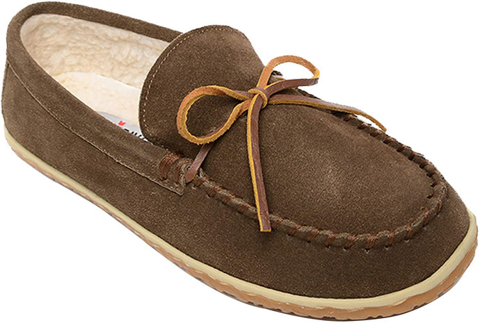 Men's Minnetonka Taft Moccasin Slipper in Autumn Brown from the front view