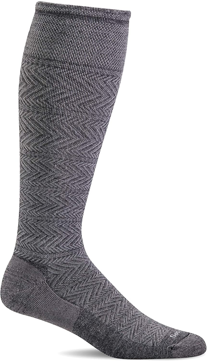 Sockwell Men's Chevron Twill Firm Graduated Compression Sock in Charcoal from the side