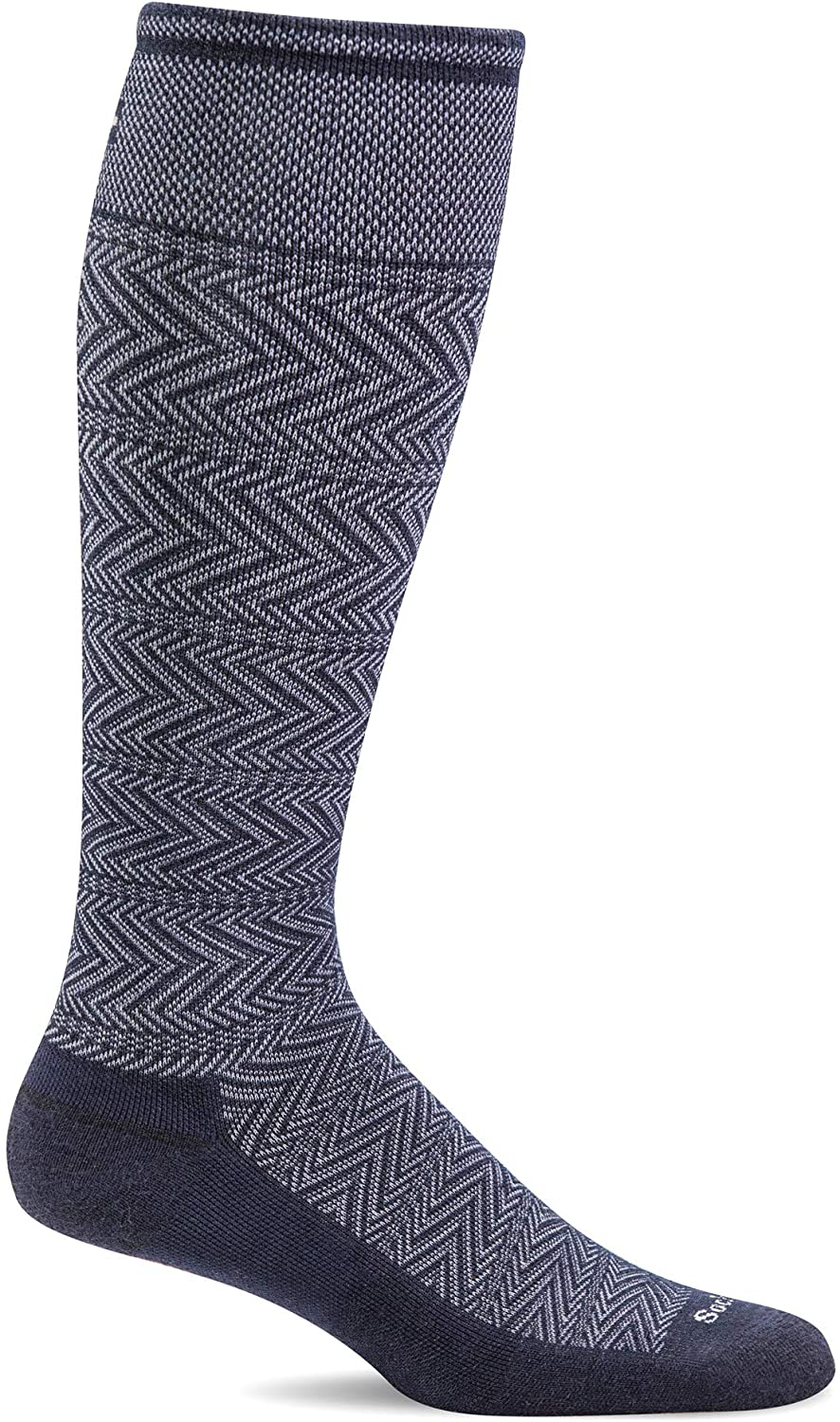 Sockwell Men's Chevron Twill Firm Graduated Compression Sock in Navy from the side