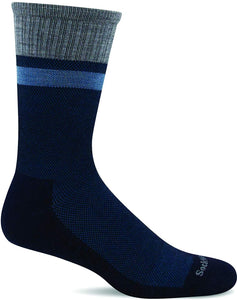 Sockwell Men's Foothold Crew Moderate Graduated Compression Sock in Navy from the side