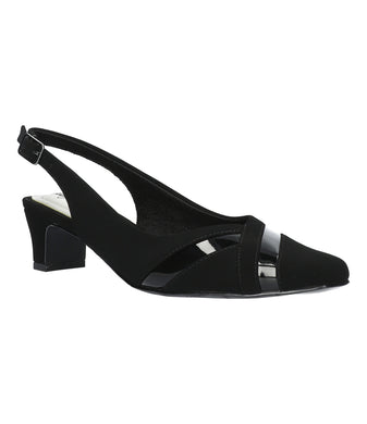 Women's Easy Street Ginny Pump Shoe in Black Lamy/Patent from the front view