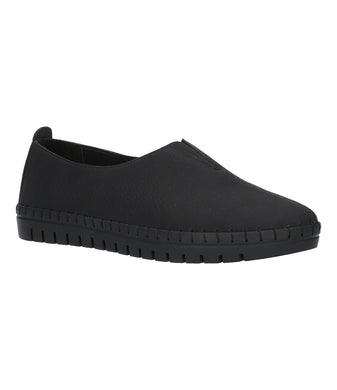 Women's Easy Street Jory Flat Shoe in Black from the front view