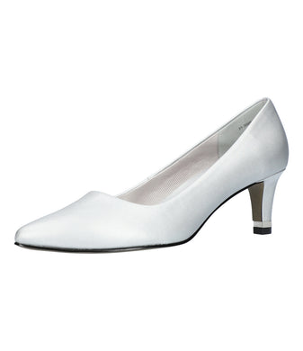 Women's Easy Street Pointed Rand Pump Shoe in Silver Satin from the front view