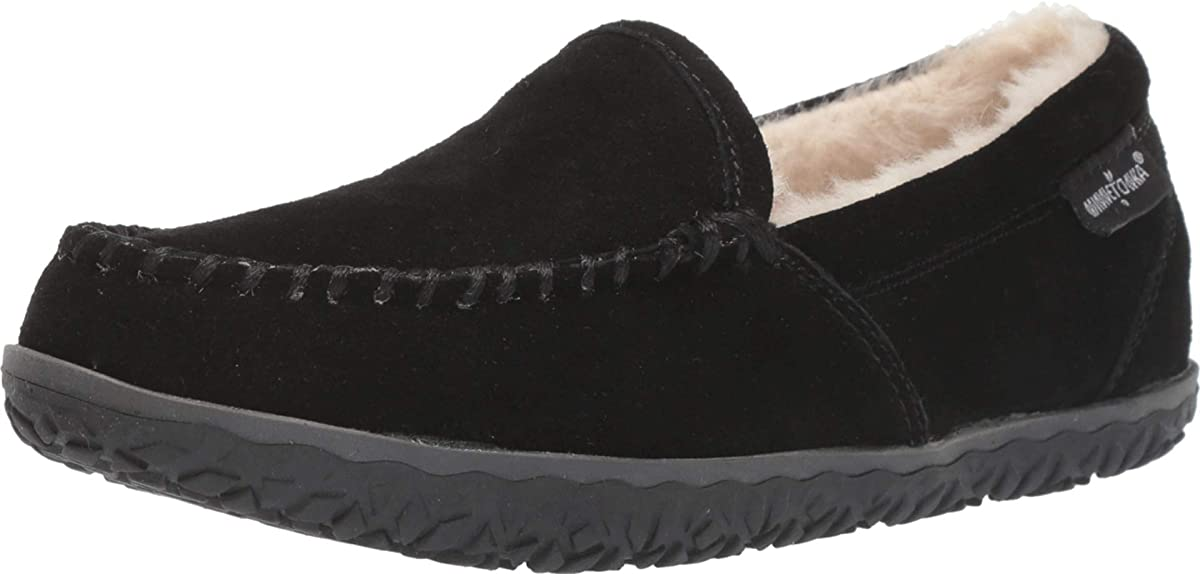 Women's Minnetonka Tempe Moccasin Slipper in Black from the side view
