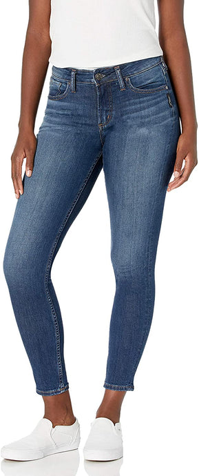 Women's Silver Jeans Suki Curvy Fit Mid Rise Skinny Jeans in Dark Indigo Shade from the front