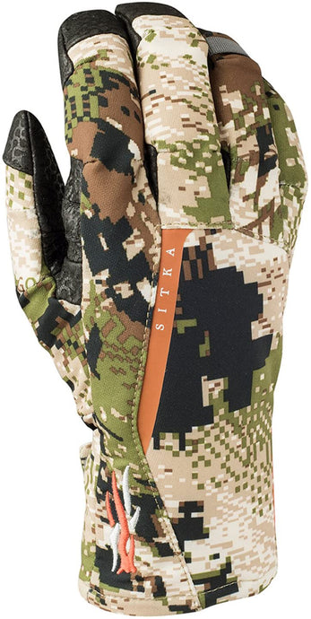 Women's SITKA Gear Cloudburst GORE-TEX Rain Glove in Optifade Subalpine from the front view