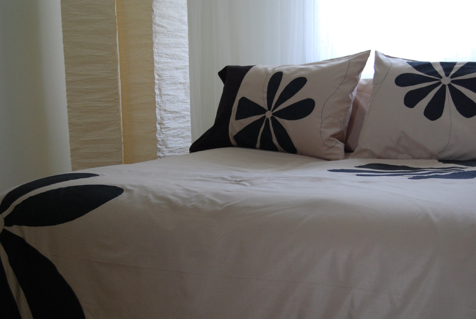"Duvet Cover Daisy Design, 100% Organic Cotton or Cotton Sateen, Bamboo Fabric, luxury and ""Smooth Tech"" softness, soft bedding means great sleep and a great sleep, is priceless. Duvet Cover & Duvet Sets, Bamboo Duvet Cover Bamboo, Duvet Cover Cotton Sateen Duvet Cover, Duvet Cover Eco, Duvet Cover Organic, Modern Duvet Cover"