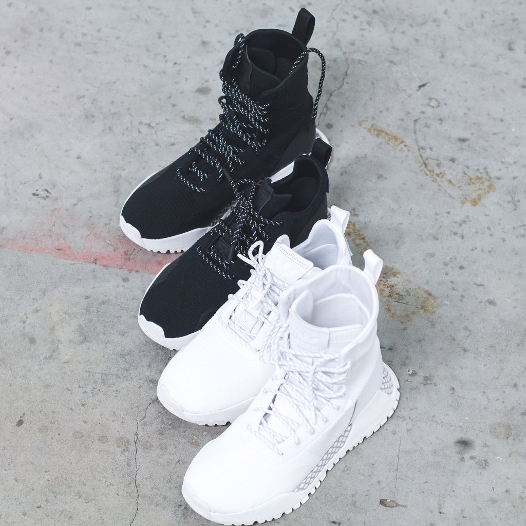 huge selection of a0b14 53e79 adidas Originals AF 1.3 Primeknit Boots in Core-BlackWhite - BY9781
