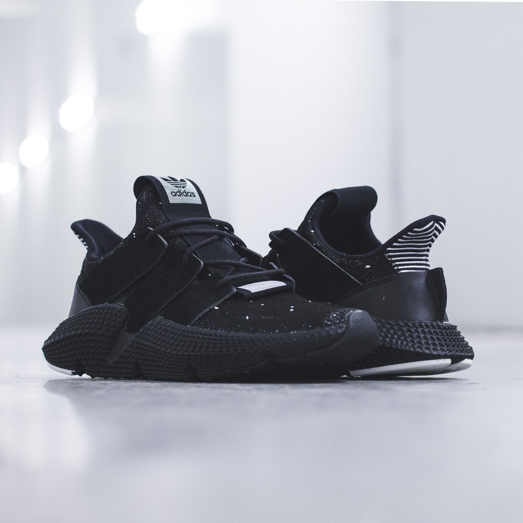 adidas Originals Prophere in Black/White - (BB2681)