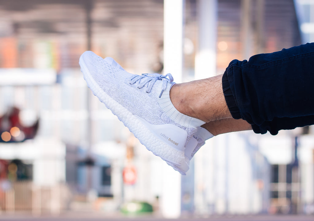 *RAFFLE* Adidas Ultra Boost Primeknit Uncaged Runner in Triple-White/Triple-Black - BB0773/BB4679