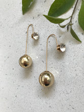 Load image into Gallery viewer, Gold or Pearl Glamour Drop | Earrings