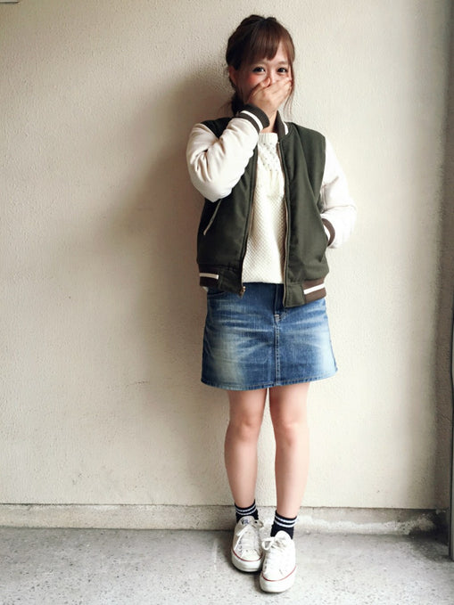 Cute outfits with short skirt x souvenir jacket for spring