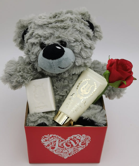 Classic MOR Boutique Luxuries Hamper